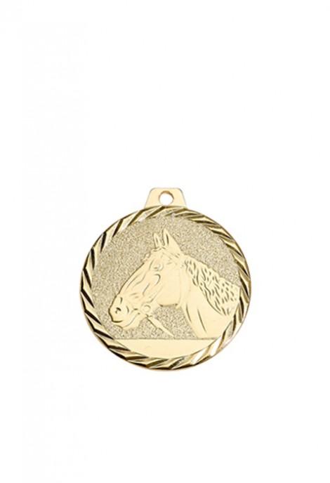 Lot de 50 médailles Arts Martiaux NY06